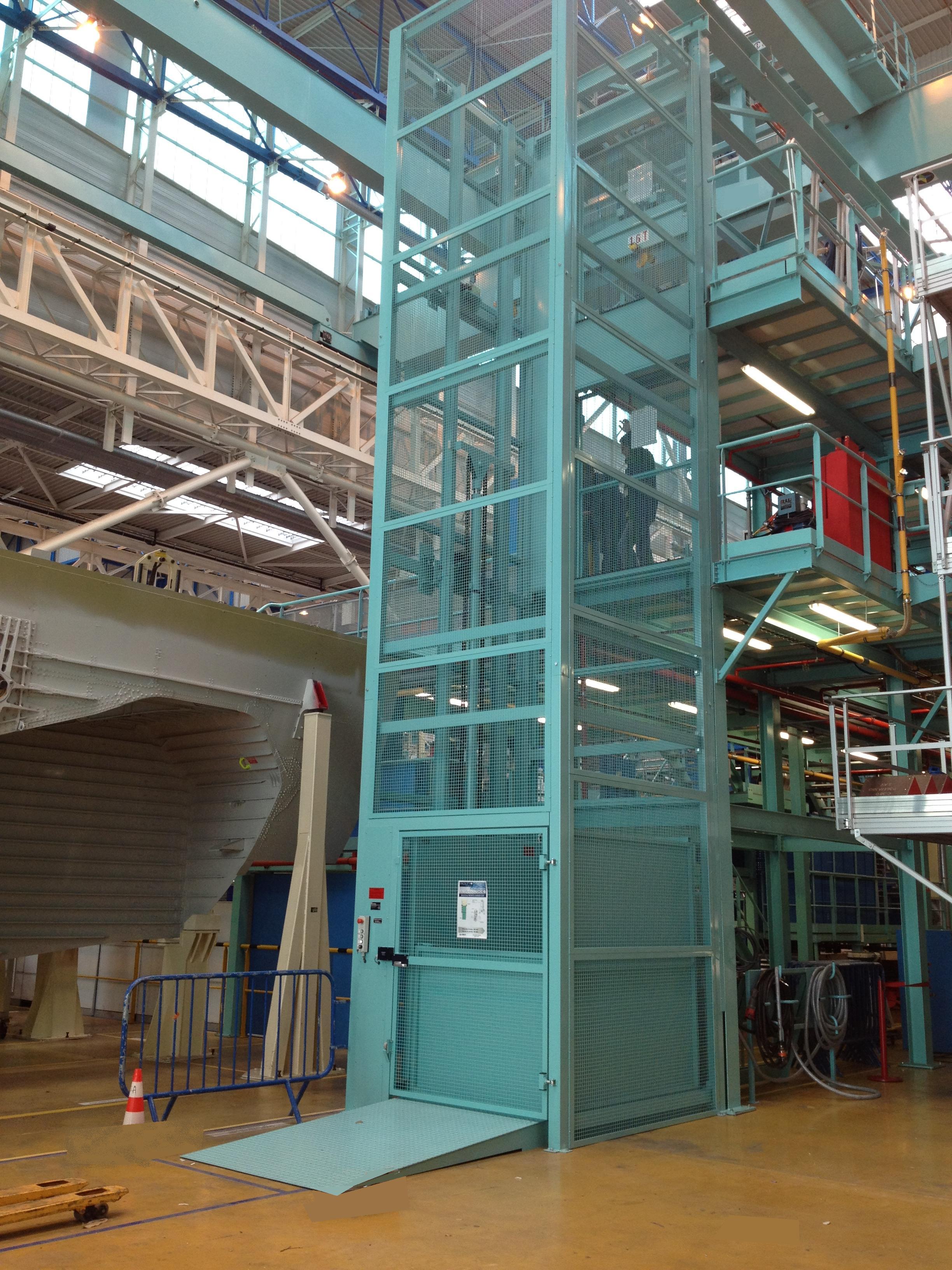 Monte Charges Industriels Hamon border=