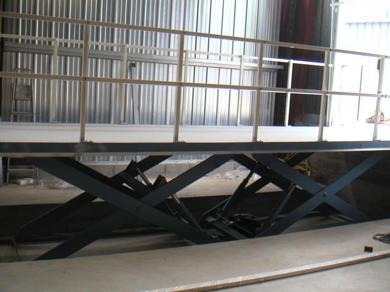 table l vatrice 2000 kg hamon le sp cialiste en l vateurs ciseaux. Black Bedroom Furniture Sets. Home Design Ideas